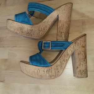 3 for $25- NNB Turquoise Heel Sandals. Size 5